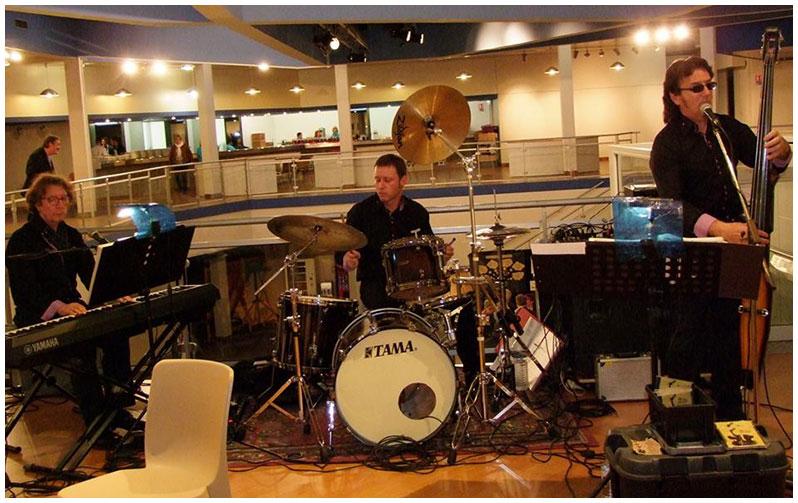 Ambiance jazzy assurée par le Travel Blues Band